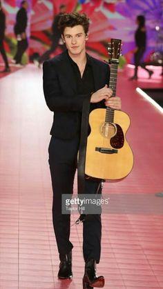 Shawn Mendes performs during the 2018 Victoria's Secret Fashion Show. Fangirl, Bae, Shawn Mendas, Chon Mendes, Mendes Army, Victoria Secret Fashion Show, My Boyfriend, Celebrity Crush, Future Husband