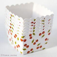 Cherry print baking cups from Acosta Acosta Dicks by Torie Jayne White Cherries, Sweet Cherries, Baking Cupcakes, Cupcake Cookies, Cupcake Wrappers, Veggies Kitchen, Cherry Baby, Cherry Red, Red Dinnerware
