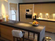 Miniature kitchen, more views at http://www.pinterest.com/MarionRussek/112-my-modern-dollhouse-glenwood/