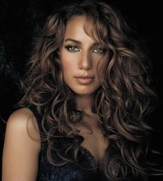 Leona Lewis: I so want her hair and her glowing skin Celebrity Diets, Celebrity Look, Mixed People, Natural Curls, Natural Beauty, Ash Brown Hair Color, Biracial Hair, About Hair, Big Hair