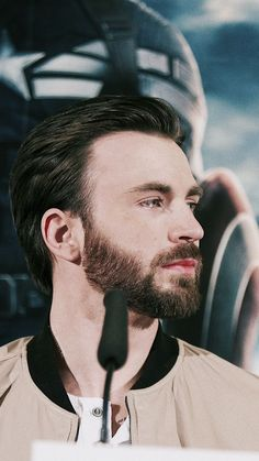 I have lost the ability to breath. Christopher Evans, Marvel Dc, Marvel Actors, Capitan America Chris Evans, Chris Evans Captain America, Jamel, Robert Evans, Man Thing Marvel, Actrices Hollywood