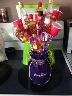 44 Ideas Basket Ideas Liquor Candy Bars For 2019 Alcohol Gift Baskets, Liquor Gift Baskets, Alcohol Gifts, Raffle Baskets, Diy Gift Baskets, Alcohol Bouquet, Liquor Bouquet, Candy Bouquet, Liquor Candy