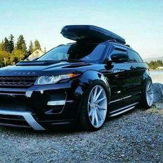 Range Rover Evoque - https://www.pinterest.com/dapoirier/4x4-and-trucks/