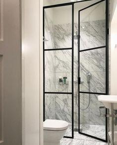 Bathroom Doors, Basement Bathroom, Shower Doors, Master Bathroom, Interior Design Boards, Interior Design Living Room, Bathroom Design Luxury, Modern Bathroom, Ideas Baños