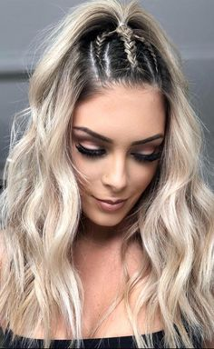 Lustige Frisuren am Strand - Noemie Beaudry - . - Fun Hairstyles To Rock At The Beach – Noemie Beaudry – Lustige Frisuren – Noemie Beaudry die # Noémie Beach Braids, Fun Braids, Braids For The Beach, Braids Into Ponytail, Braids And Curls, Beach Hair Updo, Curled Hair With Braid, Updo Curls, Hairstyle Braid