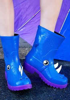 These freaking wonderful rhino boots. | 25 Pairs Of Rain Boots That Are Actually Cute