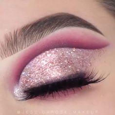Glitter Makeup Looks, Glitter Make Up, Makeup Eye Looks, Eye Makeup Art, Sparkles Glitter, Glitter Eyeliner, Contour Makeup, Pink Glitter, Rave Eye Makeup