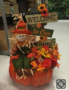 The Chic Technique … Pumpkin Arrangements, Fall Floral Arrangements, Pumpkin Centerpieces, Harvest Decorations, Thanksgiving Decorations, Thanksgiving Ideas, Fall Scarecrows, Adornos Halloween, Fall Home Decor