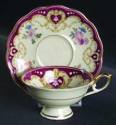 Royal Bayreuth Cup and Saucer Tea Cup Set, My Cup Of Tea, Tea Cup Saucer, Vintage Dishes, Vintage Tea, Vintage China, Teapots And Cups, Teacups, Café Chocolate