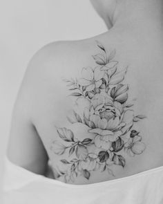 ideas for flowers in hair tattoo style hair tattoo flowers 763852786779651088 Hair Tattoos, Side Tattoos, Body Art Tattoos, Small Tattoos, Sleeve Tattoos, Tatoos, Arrow Tattoos, Back Of Shoulder Tattoo, Flower Tattoo Shoulder
