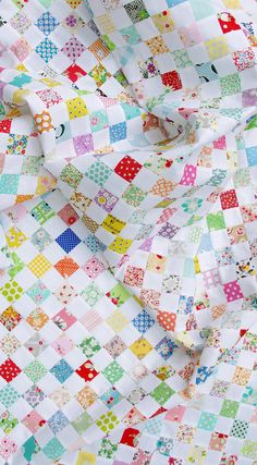 amazing checkerboard : tutorial for a Checkerboard Quilt + Strip Piecing. makes 100 16-patch blocks each 5.5-sq.in., 50.5-sq.in. top (quilt + tutorial by Red Pepper Quilts)