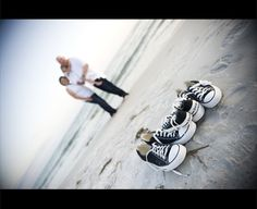 Family Beach Portraits- I seriously LOVE this idea!  Photo © Jennifer Angeloro Photography