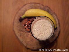 Yderst lækker smoothie med bl.a. banan, æble, kanel og mandler.