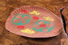 Paper Pizza Crafts for Kids   Vegetable Stamp Pizza Craft.  Use paper plates for peas or other veggies for program