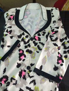 Best 12 How to make different types of kurthi neck patterns – Simple Craft Ideas – SkillOfKing. Churidhar Neck Designs, Neck Designs For Suits, Neckline Designs, Dress Neck Designs, Blouse Designs, Salwar Suit Neck Designs, Kurta Neck Design, Salwar Designs, Kurta Designs Women