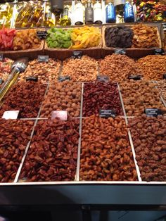 Buntes Marktleben in Barcelona