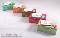 Ostereier-Suche: Bunte Osterverpackungen mit dem Envelope Punch Board