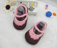Handmade Chocolate/Pink Crocheted Baby Shoes, High Quality Crochet Baby Shoes with Button to Open