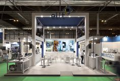 Diseño, producción y montaje del stand de ELIT. COOC Alternativa de Diseño.