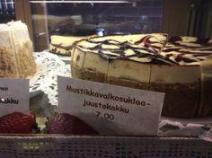 """Mustikkavalkosuklaajuustokakku: that's """"blueberry white chocolate cheesecake"""" in Finnish"""