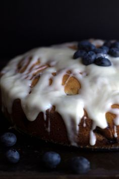 BEST BLUEBERRY CAKE {EVER} - Erren's Kitchen (cream cheese, sour cream)