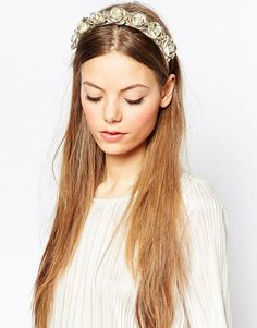 Crown yourself wedding-ready with this gold flower band <3