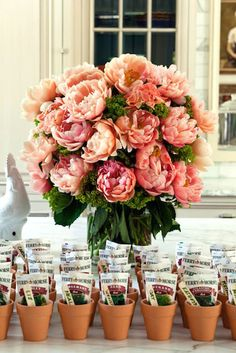 How to Throw a Chic Southern Soirée – Stephanie H. How to Throw a Chic Southern Soirée garden party favors / terra cotta pots & seed packets. This would be cute at each place setting for a spring brunch table….and OH MY GOSH those peonies! Garden Party Favors, Garden Party Decorations, Garden Party Wedding, Garden Parties, Brunch Wedding, Wedding Table, Garden Party Invitations, Wedding Invitations, Brunch Party