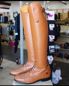 """Urban Horsewear on Instagram: """"The Brandy Valencia's are to die for 🥰 $349.00, 2-3 week turn around from purchase.  Shop here:…"""" Hunter Boots, Valencia, Equestrian, Rubber Rain Boots, Urban, Shopping, Shoes, Instagram, Fashion"""
