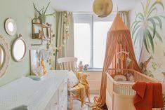 Binnenkijken in onze babykamer | Inspiratie + shop de stijl Baby Bedroom, Nursery Room, Kids Bedroom, Nursery Decor, Baby Room Themes, Baby Room Decor, Hemnes, Hawaiian Homes, Nursery Neutral