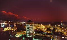 Veduta notturna su Genova, Liguria - © Roberto Merlo