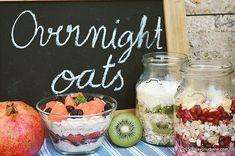 🍎🍐🍇🥝Terci la rece cu cereale, fructe și lactate. Adică fulgi de ovăz sau de alte cereale lăsați peste noapte la frigider cu diverse alte ingrediente. 🍒🍌🍊 FĂRĂ FIERBERE! Un mic dejun sau o gustare sănătoasă, plină de fibre, nutrienți și vitamine <3 #savoriurbane 🍇🍉🍊🍎🥑🍓🍋🍑🍒🍍🍌 Overnight Oats se numesc și puteți găsi mai multe rețete la linkul de pe profilul meu ➡️ @oanaigretiu . #overnightoats #oats #fruit #yogurt #milk #buttermilk #grapefruit #kiwi #banana #pomegranates #... Rina Diet, Overnight Oats, Acai Bowl, Grapefruit, Kiwi, Yogurt, Breakfast, Pizza, Food