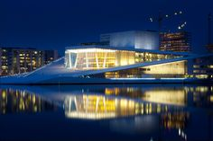 Byen min :-) The Oslo Opera House in Oslo, Norway Oslo Opera House, Architecture Today, Earth Hour, Opus, Grand Staircase, Holiday Wishes, City Lights, One Pic, Norway