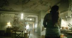 Witches of East End kitchen ceiling details Quiero una cocina así!!!