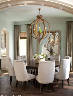 High Quality This Is A Great Dining Room! I Love The Idea Of Family Gathered Around A Round  Table. You Do Not See Round Tables Often In A Formal Dining Room.the ...