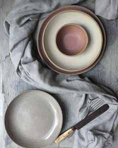 Putting together some ideas for @designmuseum market. I picked this photo in particular because it's had virtually no edit and natural light. . Just some bits and bobs from the Matte and Bespoke Grey series which you can find at the Design Museum Market, 1-3 Dec at the London Design Museum in Kensington. . .  #pottery #ceramics #stoneware #potter #twinearthceramics #dinnerware #propstylist #interiorstyling #kinfolktable #organic #cheflife #restaurant  #rustic #tableware #bespokedesign…