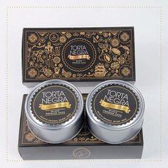 ¡Rompe el hielo! Nuestra caja de dos latas de #TortaNegra te da la dulce excusa: una para ti y la otra para compartir con quien te saca las mejores sonrisas. #SoyLaTíaBlanca