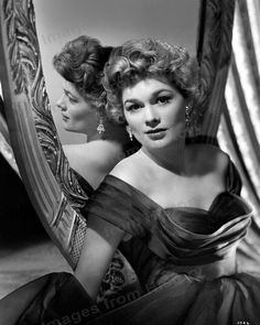 Jean Hagen, forever beloved for her brilliant portrayal of Lina Lamont in Singin' in the Rain, but also excellent in John Huston's The Asphalt Jungle Rita Hayworth, Old Hollywood Glamour, Classic Hollywood, Vintage Hollywood, Lina Lamont, Lilli Palmer, Marie Prevost, Gloria Dehaven, Actor Secundario