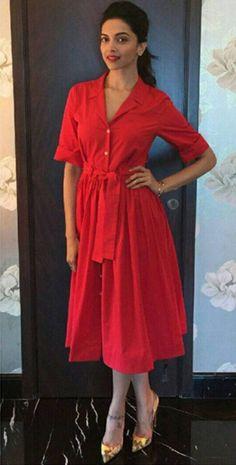 Jav I Deepika Padukone in a red dress paired with a red lip and yellow pumps. Deepika Padukone Saree, Deepika Padukone Latest, Bollywood Fashion, Bollywood Actress, Indian Bollywood, Casual Dresses, Casual Outfits, Fashion Outfits, Dipika Padukone