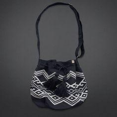 4d96b43a52a6 Vintage Festival Bag Hollister Bags