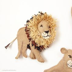 """Lion felt applique and embroidery by e.no.bag """"ライオン ノ アップリケ """" #lion #safari #africa #mane #applique #felt #embroidery"""