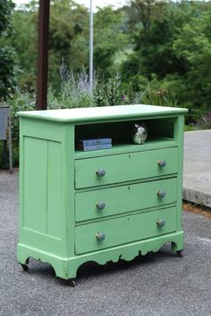 Primitive & Proper: A Clover Green Dresser: My First Webster's Chalk Paint Powder Experience