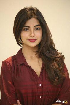 Cute Beauty, Beauty Full Girl, Beauty Women, Cute Girl Pic, Beautiful Girl Image, Beautiful Women, Beautiful Bollywood Actress, Most Beautiful Indian Actress, Celebrity Stars