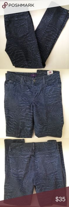 NYDJ Skinny Tummy Tuck Print Jeans Good condition. Really cool print. Length: 41 in. Inseam: 30 in. Waist: 15 1/2 ACROSS. NYDJ Jeans Skinny