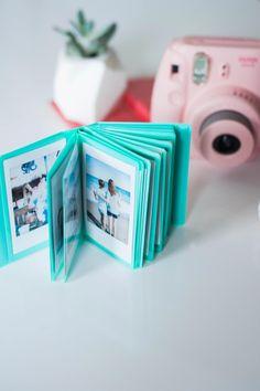 Polaroid Instax Mini, Instax Mini 9, Fujifilm Instax Mini, Fuji Instax, Polaroid Camera Case, Leica Camera, Film Camera, Instax Mini Ideas, Dslr Photography Tips