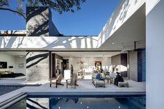 Main Stay House by Matt Fajkus Architecture - Design Milk Houses In Austin, Austin Homes, Austin Texas, Texas Usa, Dezeen Architecture, Residential Architecture, Interior Architecture, Japanese Architecture, Amazing Architecture