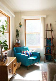 Fostering Therapy Through Art In A Colorful Santa Fe, NM Rental Love the turquoise chair!