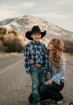 A boutique on the go for those blazin' their own trail through life -to- stay at home gypsies -- boho, gypsy, western style -- Country Family Photography, Mother Son Photography, Western Photography, Toddler Photography, Cowboy Family Pictures, Western Family Photos, Western Baby Pictures, Western Engagement Photos, Mother Son Photos