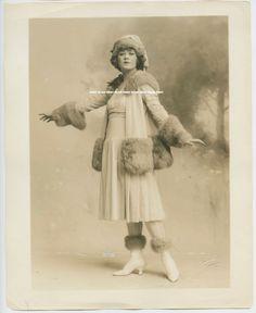 DOROTHY KLEWER, HITCHY KOO c.1917 VINTAGE PORTRAIT PHOTO BY PACH BROS