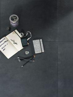 Rustige antraciet vloertegels 60x60 (55)  Tegelhuys