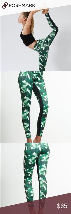 L'urv Banana Baby leggings Stunning banana leaf print leggings for yoga or any time. Excellent condition, no pilling or signs of wear. Bought from Carbon38 for $119. Size M is between a Lululemon 6 and 8 or a M/L from Teeki. Make an offer! ✨ tags: lurv lulu alo beyond yoga palm print pants albion fit carbon 38 bandier L'urv Pants Leggings